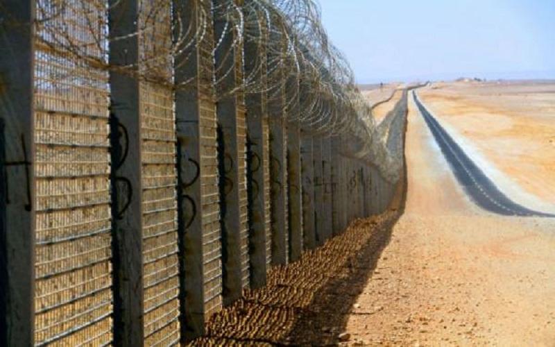 فجوة في السياج  الاحتلال يتقصى أثر